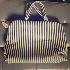 Cosmetic bag, spacious and fashionable, NWT